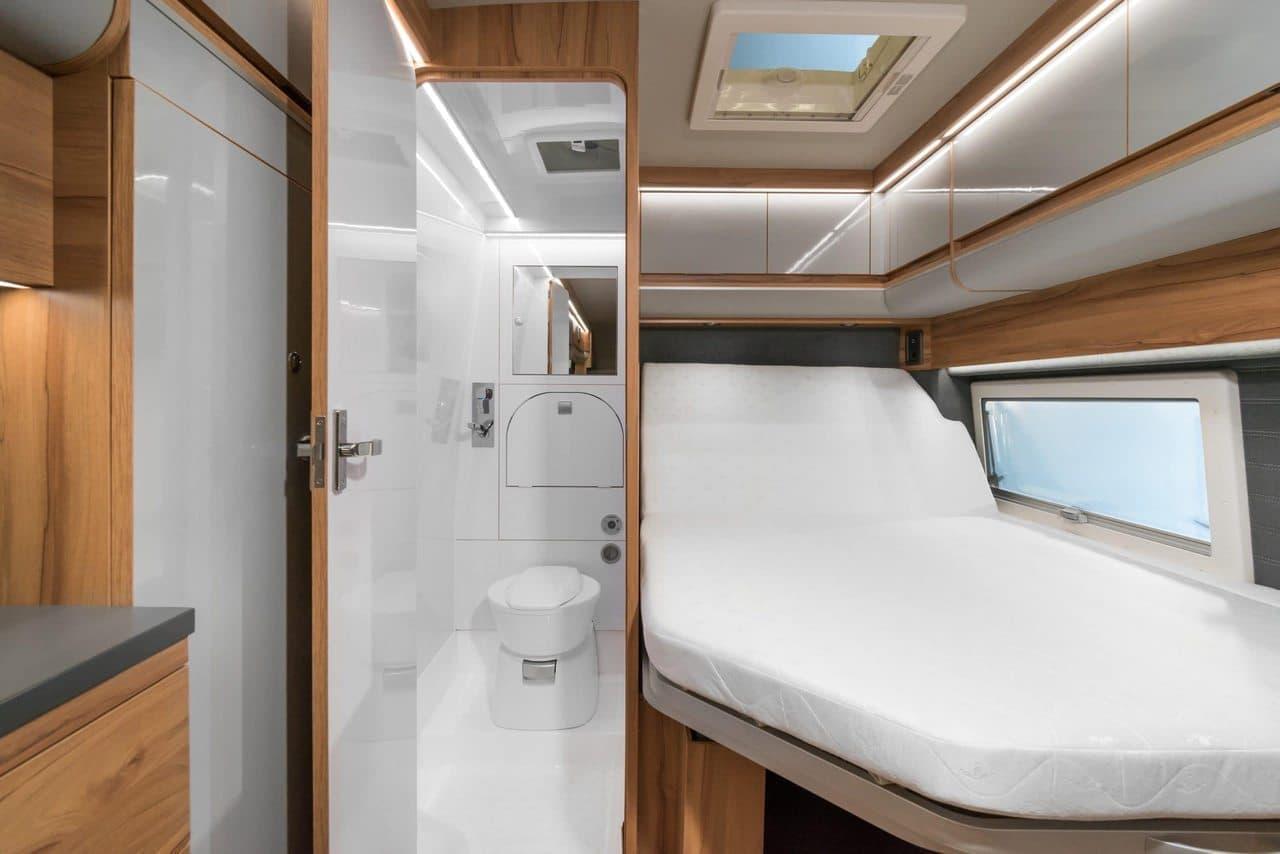 上段ベッドは191x67cm、下段ベッドは182x67cmサイズ