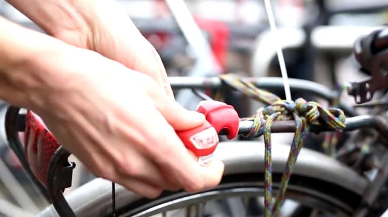ソーラーパネルを装備した充電が要らない自転車用ライト「LITTA」