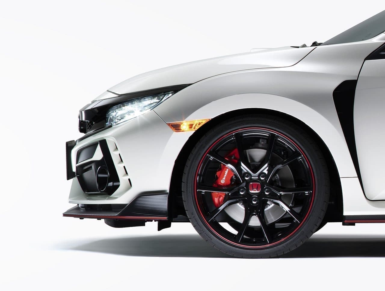 ホンダ「シビック TYPE R」改良モデル、大坂オートメッセで公開