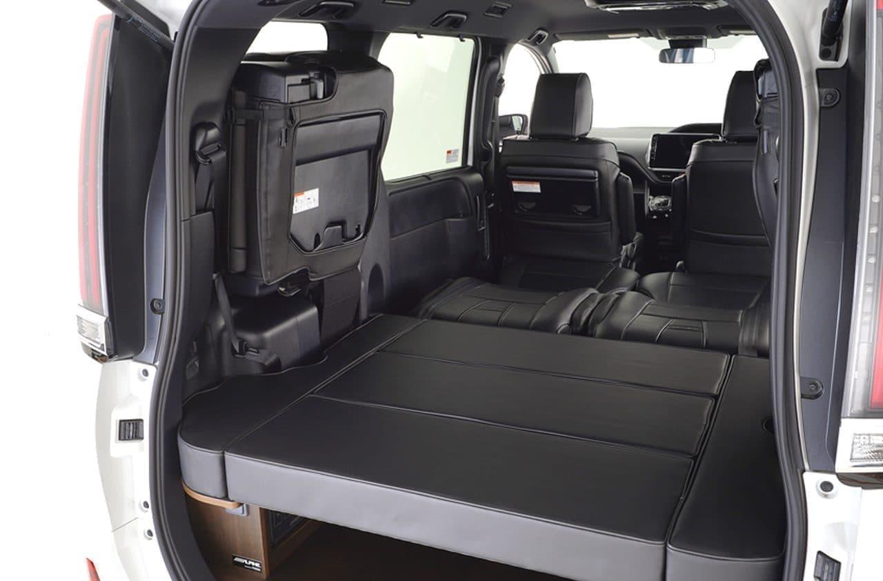 トヨタ「ハイエース」「ノア」ベースのキャンピングカーをレンタルできる「ShareCamper」