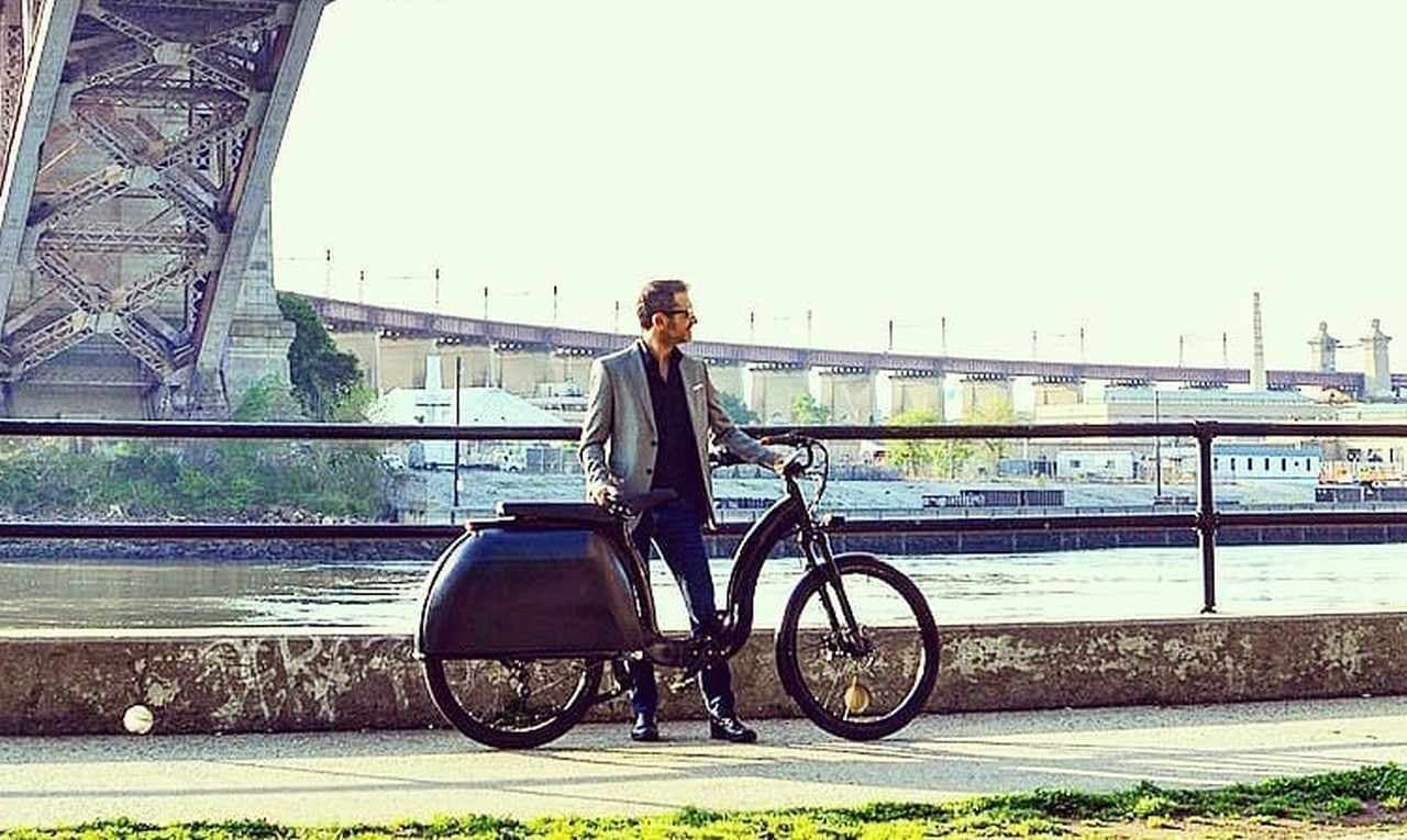 ベスパディーラーが考えた電動バイク「Model 1」