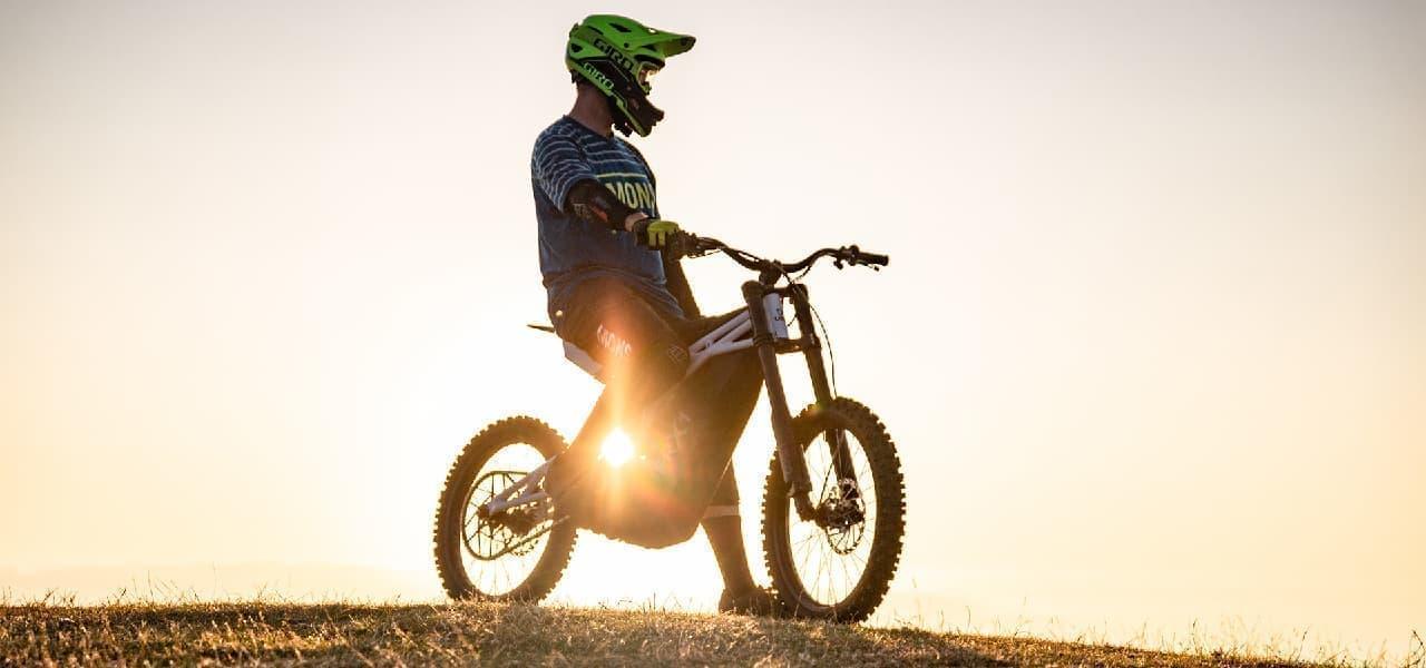 """Ubcoが作った、""""ダウンヒルを楽しむ""""トレイルバイク「FRX1」"""