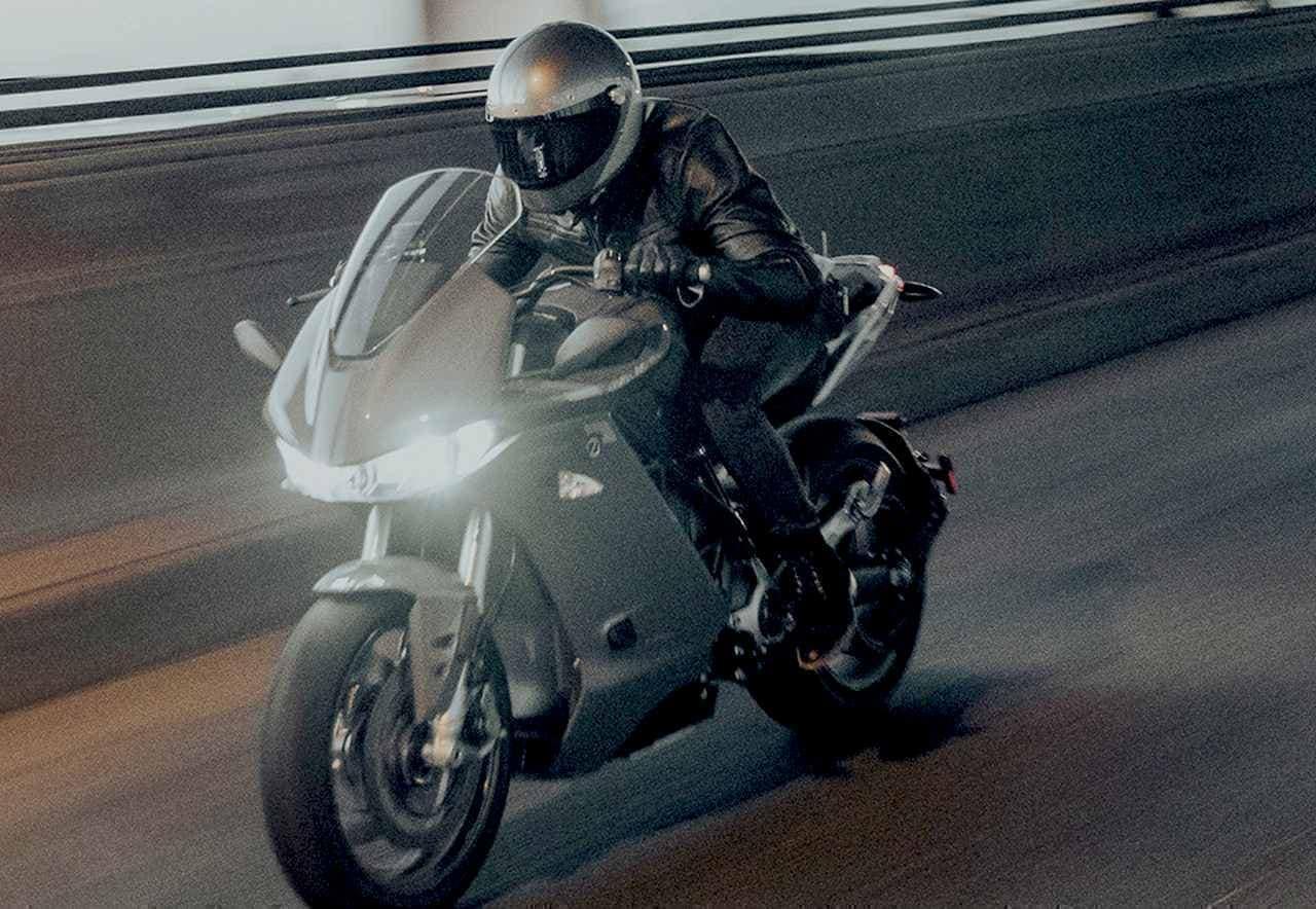 ネイキッドよりも高速での航続距離を13%も伸ばした電動フルカウルバイクZero Motorcycles「SR/S」
