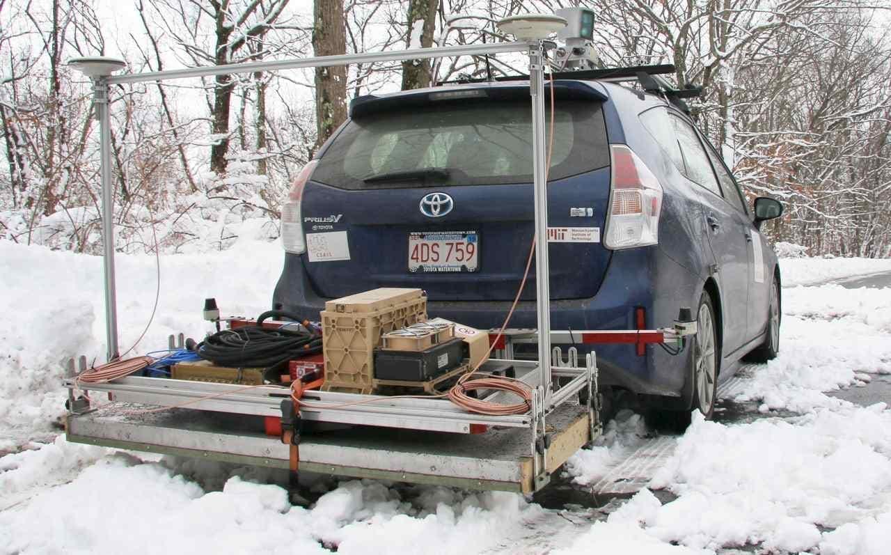 雪の中でも道を見失わない -MITが地中レーダーを使った現在地特定技術を発表