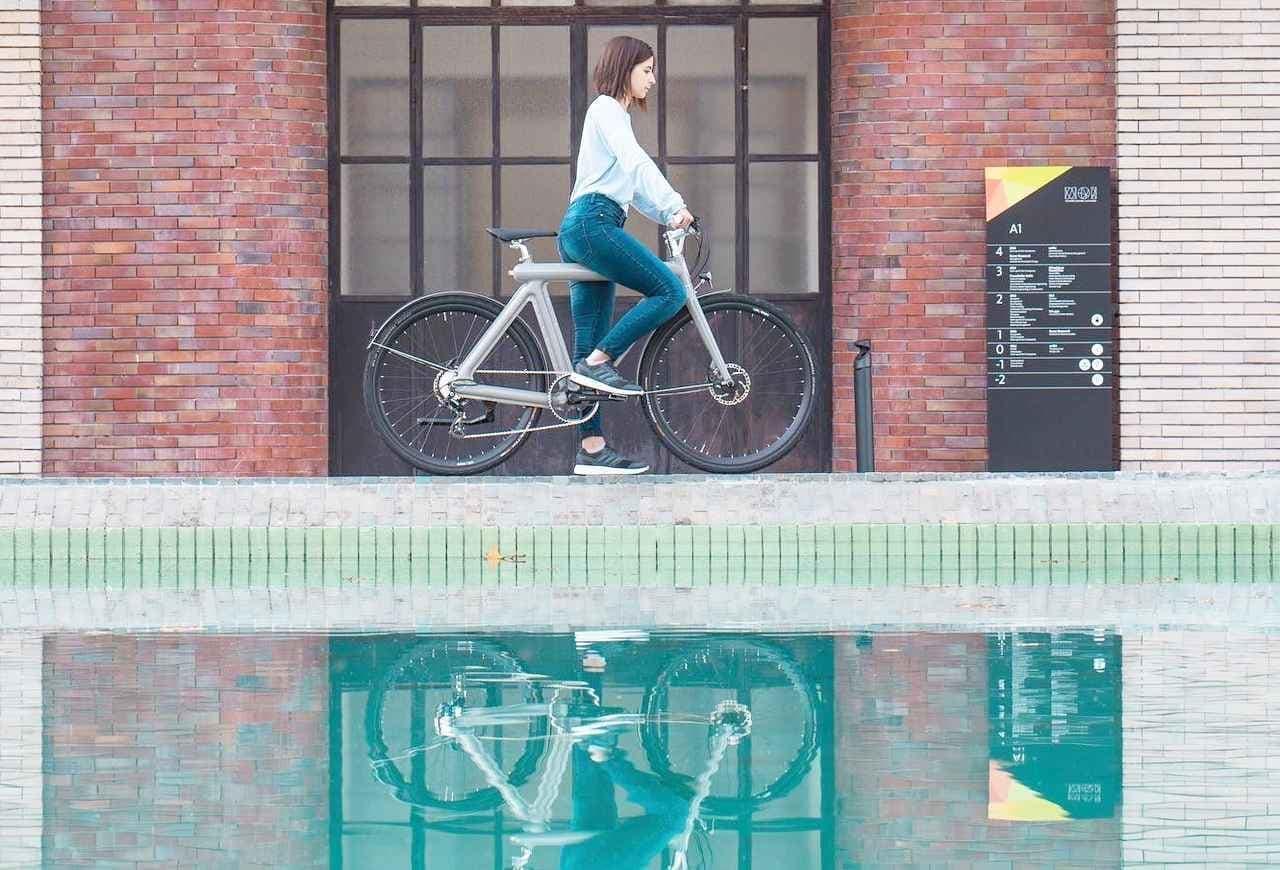 プレス加工で製造された自転車 LEAOS「Pressed E- Bike」―価格がぐっと安く