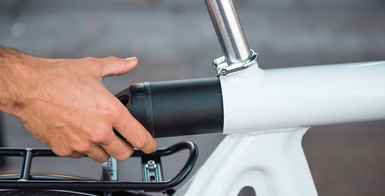 プレス加工で製造された自転車 LEAOS「Pressed E- Bike」