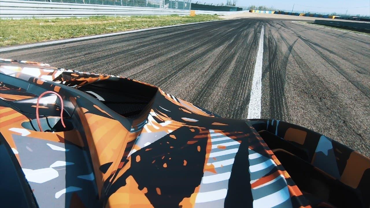 ランボルギーニがハイパーカー用6.5L V型12気筒エンジンのシェイクダウンを実施