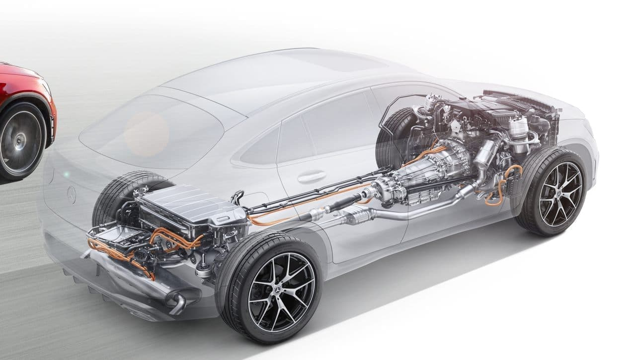 メルセデス・ベンツのSUV「GLC クーペ」にPHVの四駆モデル「350 e 4MATIC クーペ」