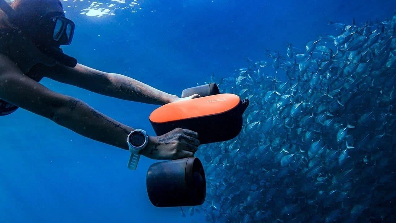 バックパックに入る水中スクーター「Geneinno S2」