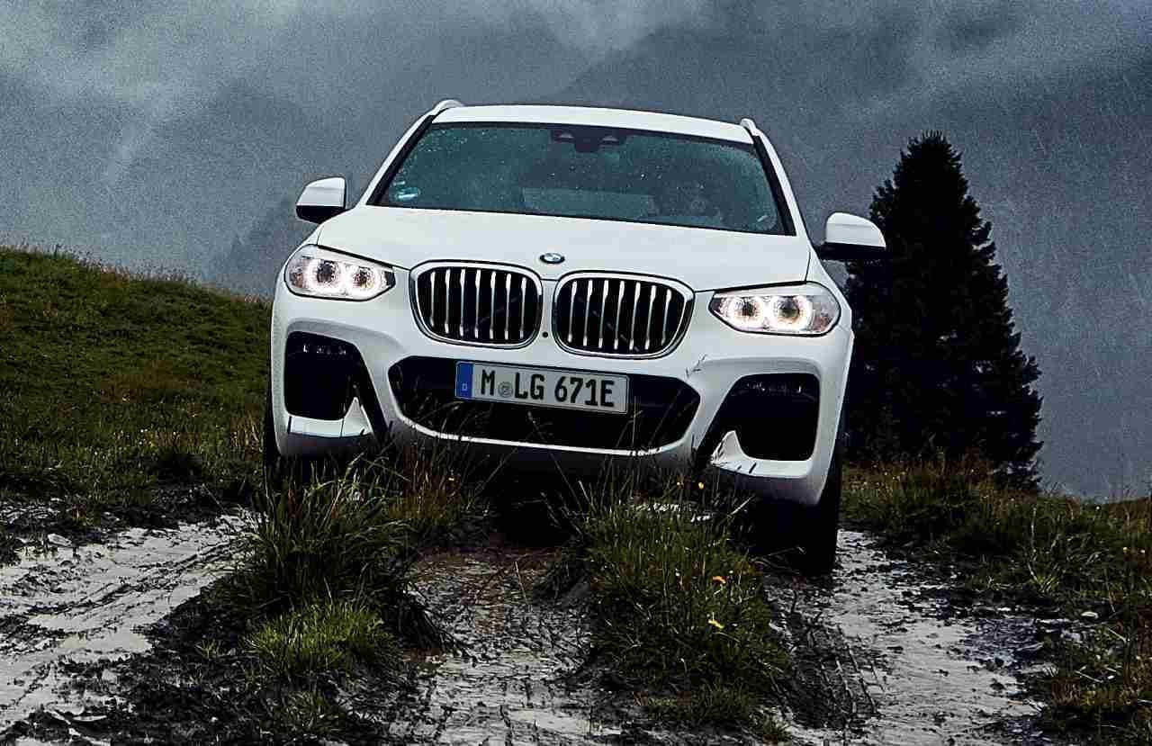 BMWのSAV「X3」にPHVモデル「xDrive30e」