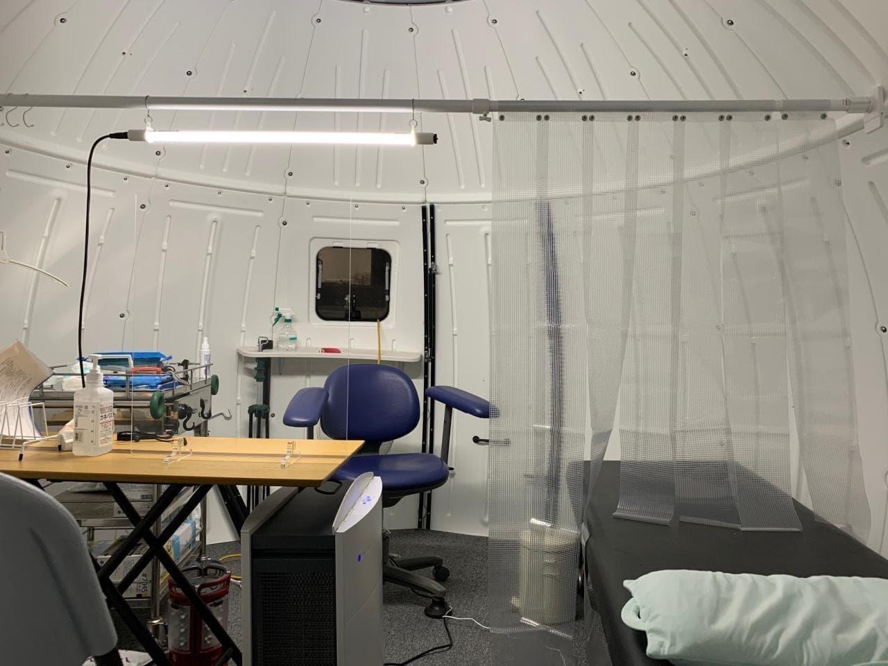 キャンプ・アウトドア向けの「EZDOME HOUSE」が新型コロナ対策として医療施設に導入