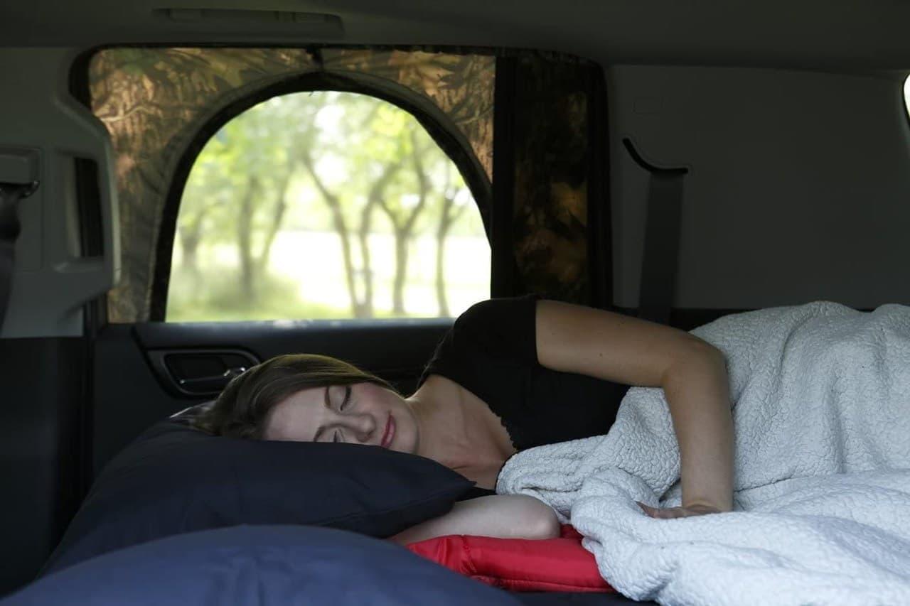 車中泊を快適にする「Overnighter」