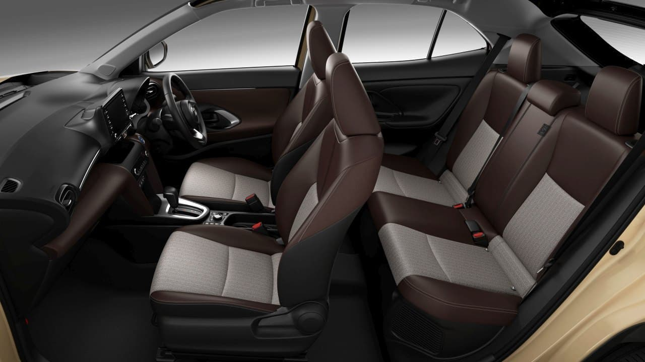 トヨタが都市型SUV「ヤリスクロス」を世界初公開 ―