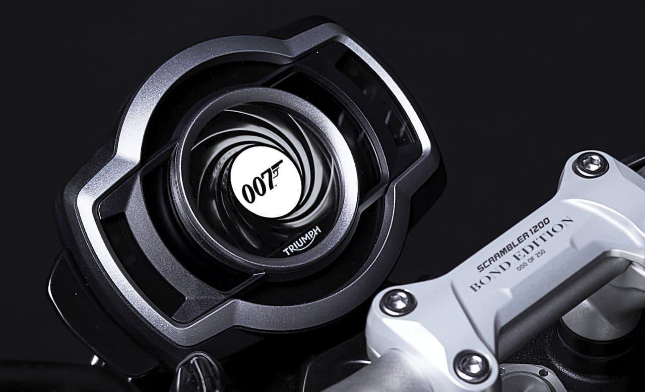 トライアンフから映画「007」シリーズとのコラボモデル「TRIUMPH SCRAMBLER 1200 BOND EDITION」