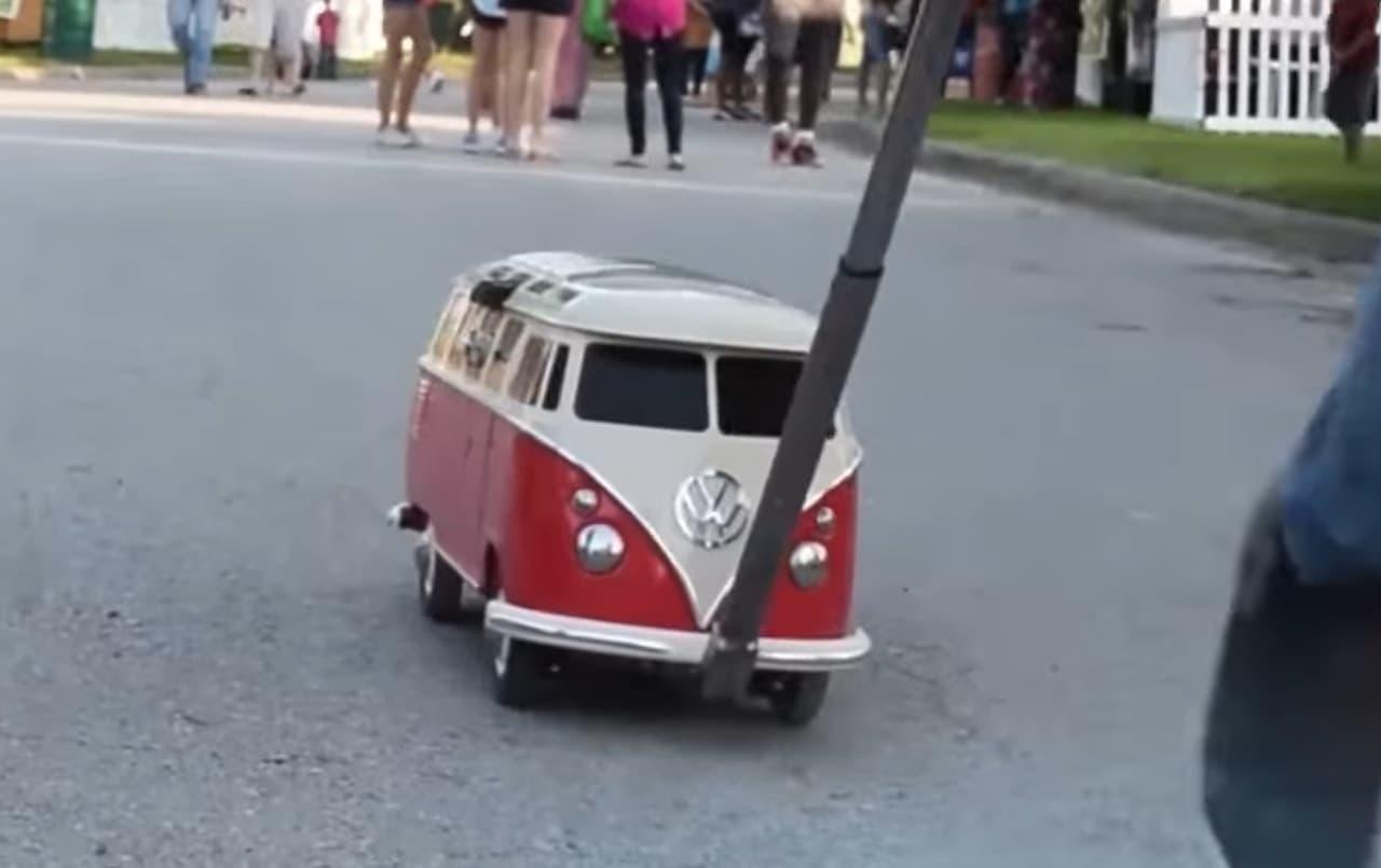 ワーゲンバス型のクーラーボックス「VW T1型クーラーボックス」