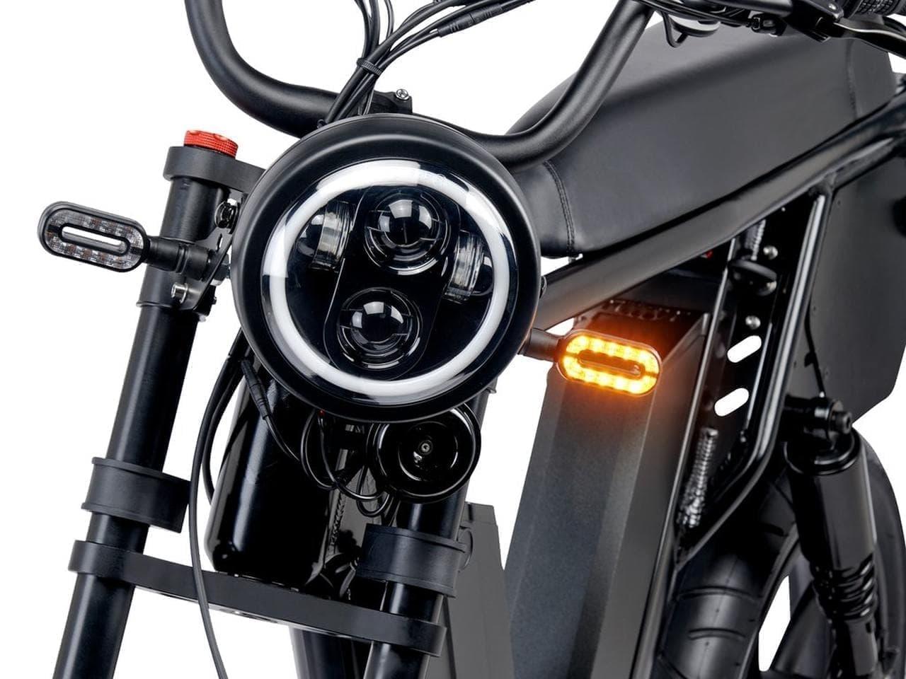 航続距離160キロ!バッテリーを2台積める電動モペッドJuiced Bikes「HyperScrambler 2」