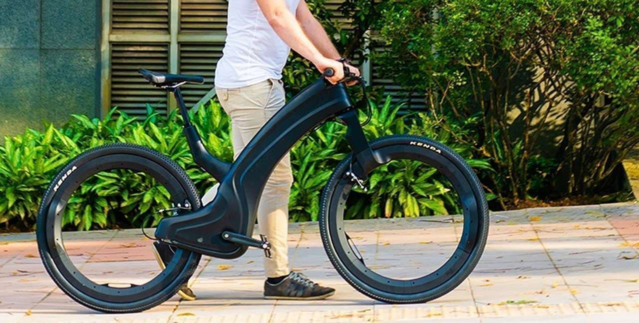 スポークとハブを無くしてメンテナンスを楽に ― ハブレスE-bike「Reevo」