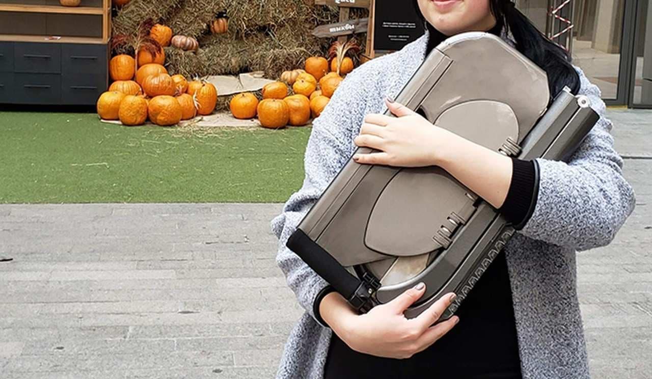 バックパックに入る!重さわずか6.5kgの電動キックボード「BooZter」
