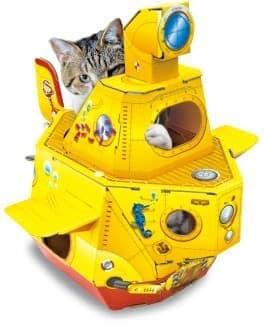 「潜望鏡もついているんだにゃ」 by ネコ