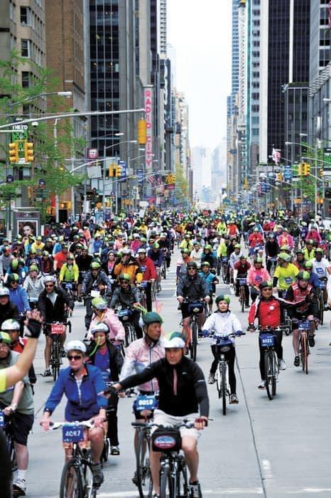 全米最大の自転車イベント  「ファイブ・ボロ・バイクツアー」  (出典:デルタ航空)
