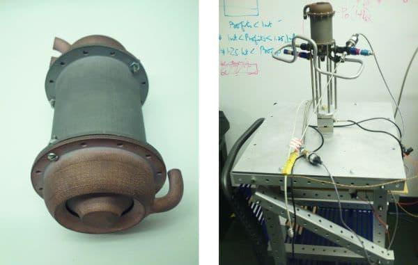 (左)第4世代試作エンジン  (右)試験を行うテスト ベンチ