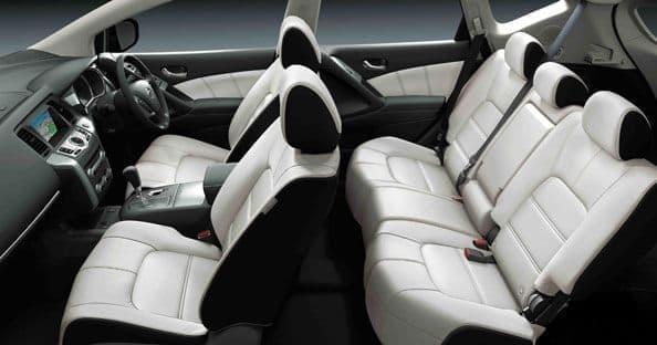 「モード・ビアネロ」は、カラーコーディネートにこだわった本革シート仕様車