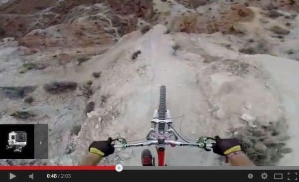 自転車でダウンヒル  転んだら成層圏から落ちるより痛そう  (出典:GoPro)
