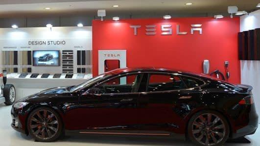 テスラが EV を東京モーターショーに出展、試乗予約を受付中