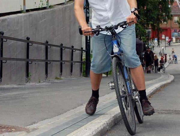 最大で6人のサイクリストを同時に運べます