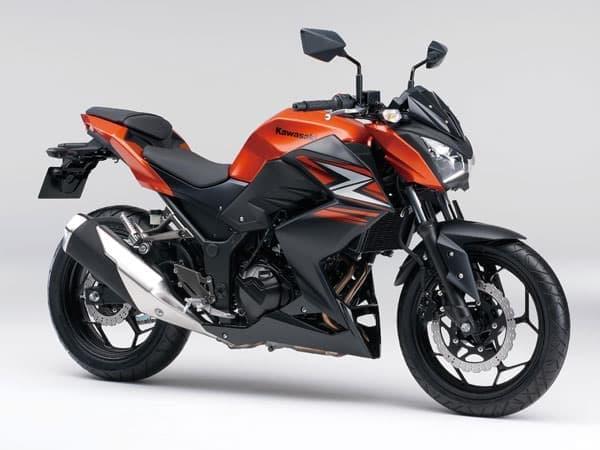 カワサキ「Z250」(2014年モデル)  キャンディバーントオレンジ×メタリックフラットスパークブラック