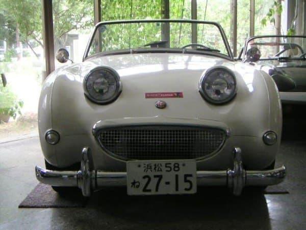 展示されるクラシックカーの例  (1961年製 オースチンヒーレースプライト MK I)