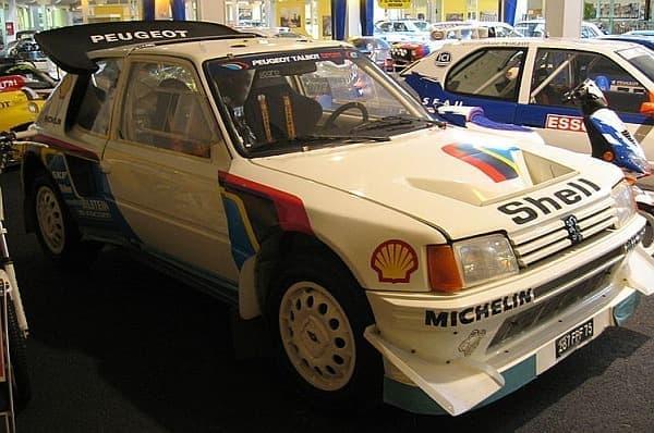 プジョーが1987年のダカールラリーに投入した WRC カー「205ターボ16」