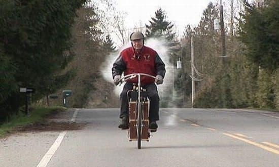 蒸気自転車は常に注目の的