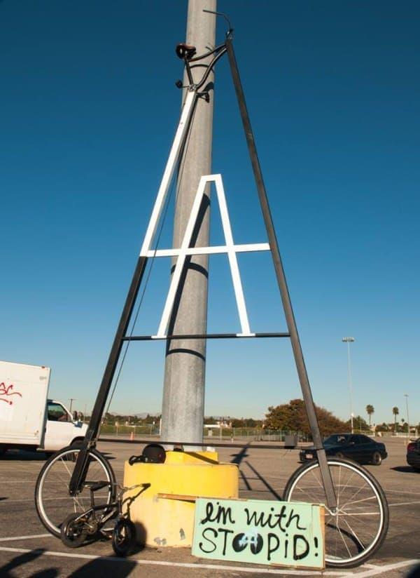 「Stoopidtaller」は、おそらく地球上で最も背の高い自転車