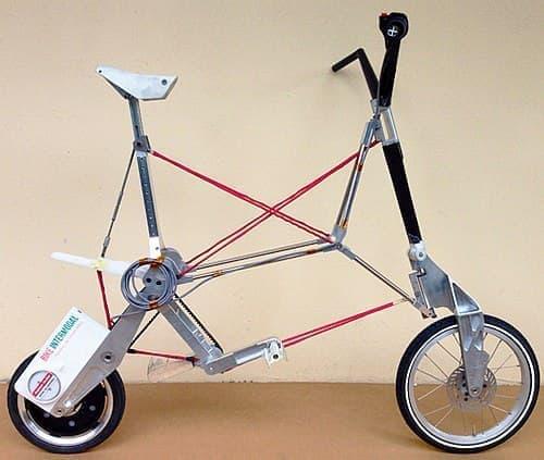 装着すると、折り畳み式電動アシスト自転車となる