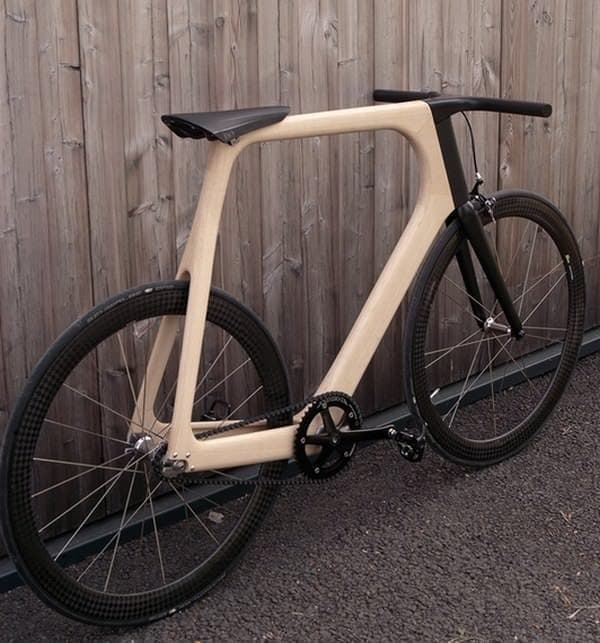 木製自転車「ARVAK」は、騒音のない静かな走行を楽しめる