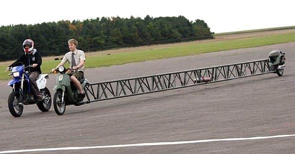 Furze さんが2009年に製作した14.03メートルのバイク  ギネス認定済みです