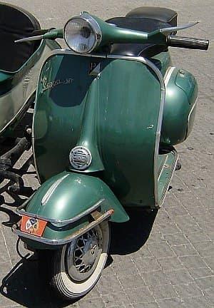 ピアッジオが製造販売するスクーター「ベスパ」