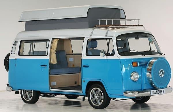 フォルクスワーゲンバスをキャンピングカーに架装した「VW T2 Camper」  欲しい!