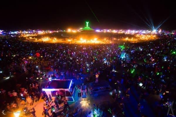 2014年に開催された「バーニング・マン」の模様  (画像出典:Burningman 公式サイト)