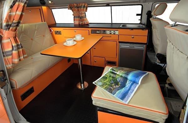 「VW T2 Camper」の車内  素敵でしょ?でしょ??