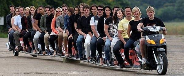 全長22メートルの「世界一長いバイク」