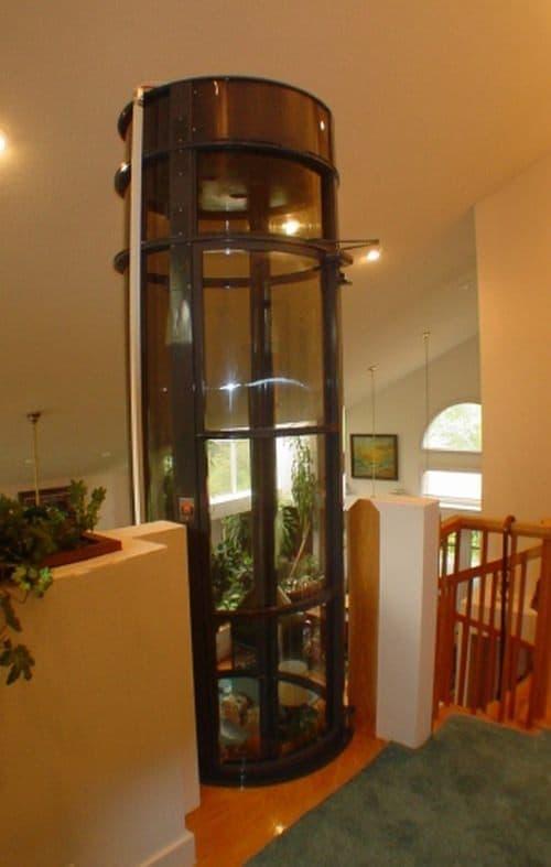 掃除機の原理で昇降する家庭用小型エレベーター「バキュームエレベーター」 えん乗り