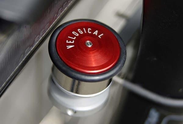 VELOGICAL の販売している自転車ライト用ダイナモ  「Velospeeder」とデザインが似ている