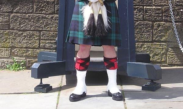 スコットランドの民族衣装「キルト」  この中身は確かに見たくないかも?