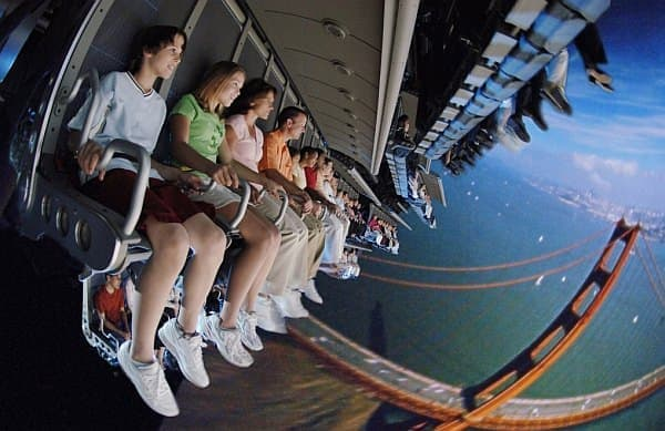 「Soarin' Over California」  (C) Disney