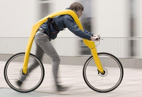 サドルだけでなく、ペダルもチェーンもない自転車「FLIZ」