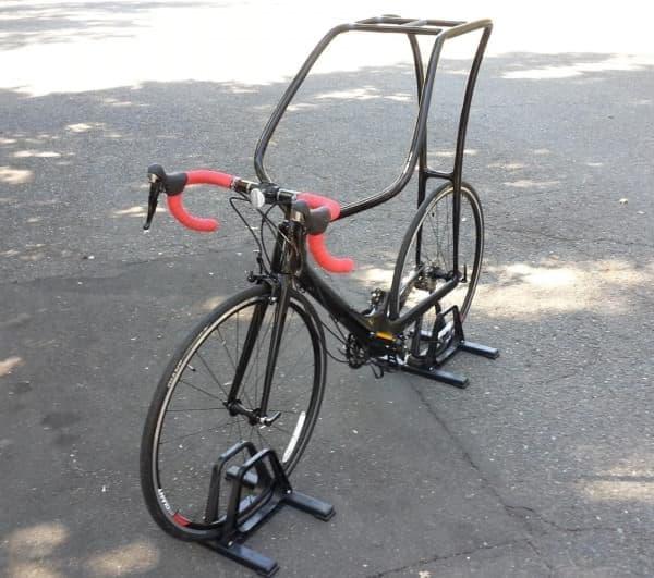 サドルの無い自転車「Flying Rider」