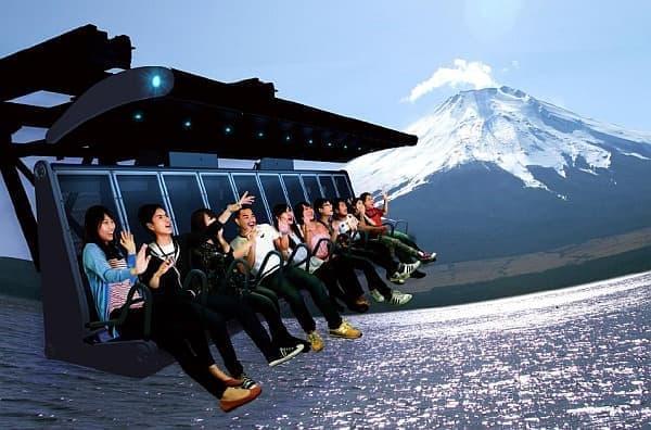 富士山の魅力を体感できるフライトシミュレーションライド「富士飛行社」