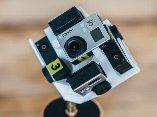 カメラホルダーは、3D プリンターで製作しました
